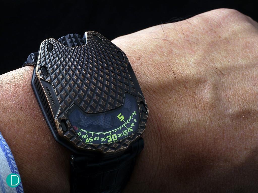 urwerk-trex-wrist